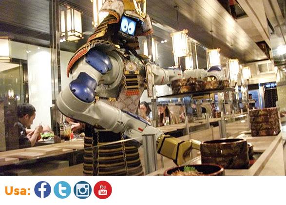Un restaurante en Taiwan invita a sus clientes con este innovador robot que sirve en la barra